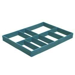 Compartment divider for amenities trays