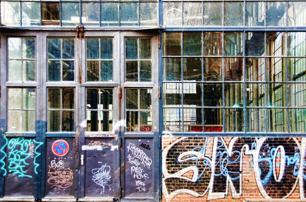 Sabes c mo limpiar graffitis y paredes pintadas blog - Como limpiar paredes pintadas ...