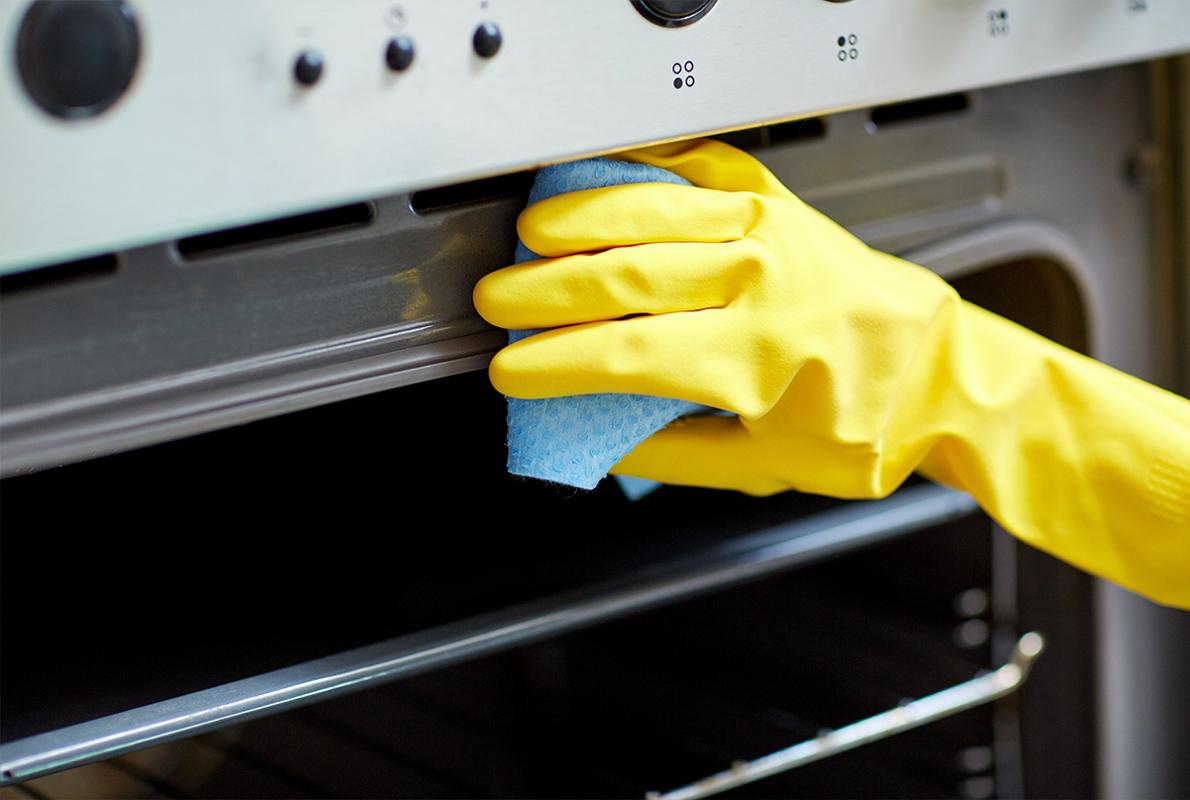 Averigua qué desengrasante es el más adecuado según la superficie a limpiar