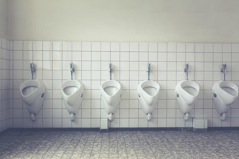 Claves de higiene en los baños públicos 0