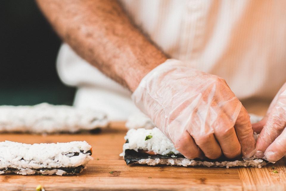 El uso de los guantes en la cocina profesional