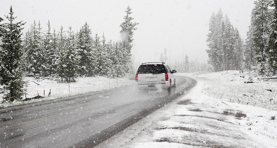 Razones para mantener el coche limpio en invierno.