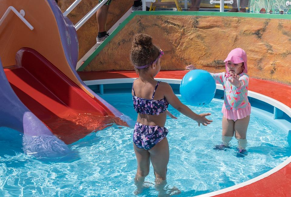 Especial verano… Evita los hongos en los juguetes de piscina y baño