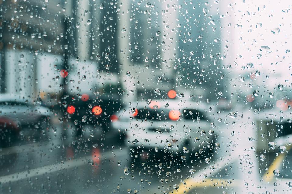 Cuatro aspectos que tienen que estar en buen estado en tu coche en días de lluvia