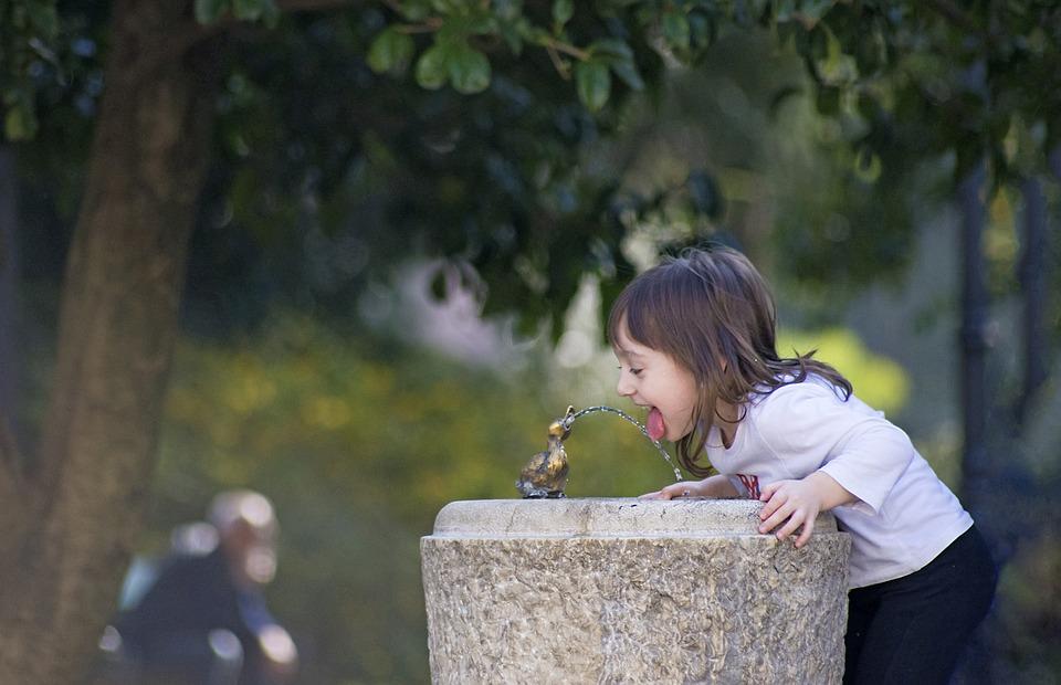 ¿Qué es el hipoclorito y por qué se usa para desinfectar el agua?