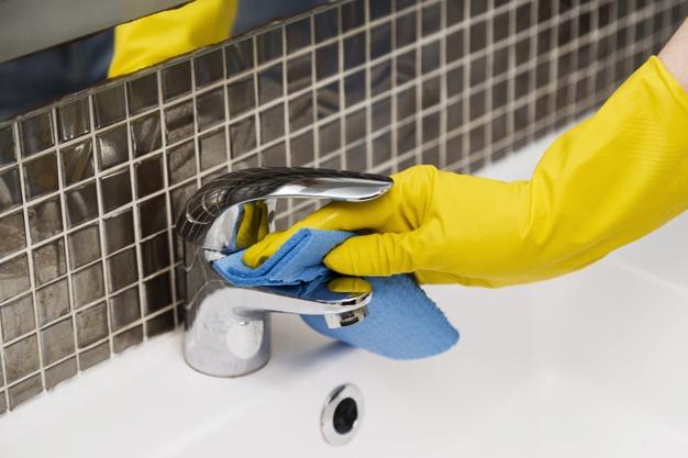 ¿Es un limpiador con bioalcohol desinfectante? 0