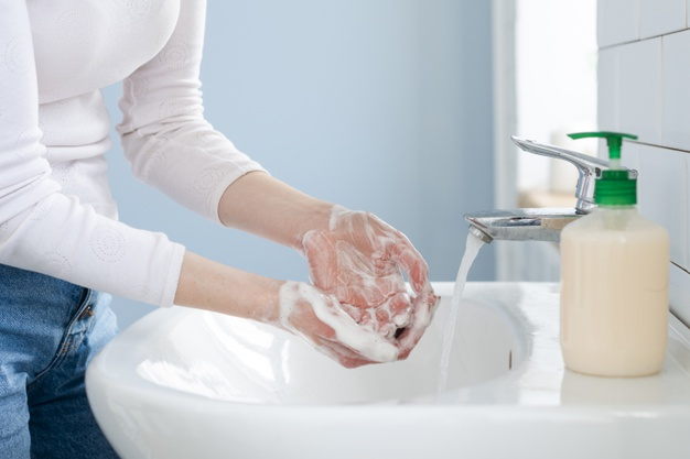 La importancia de hidratarse las manos tras tantos lavados