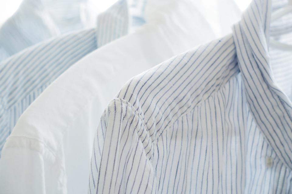 ¿Por qué se produce electricidad estática en las prendas tras los lavados?