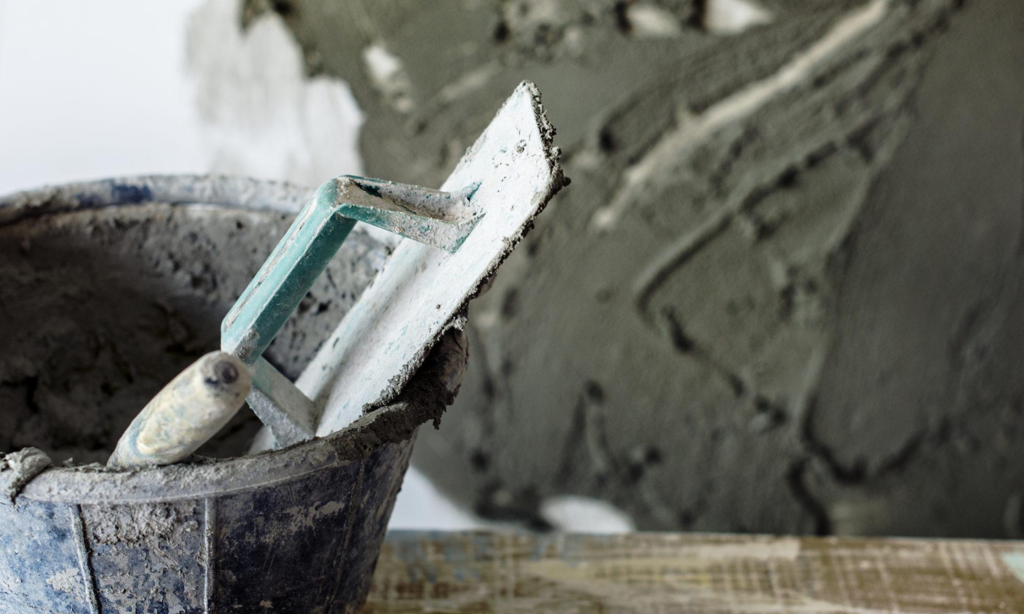 ¿Cómo limpiar residuos calcáreos, como cemento tras una obra?